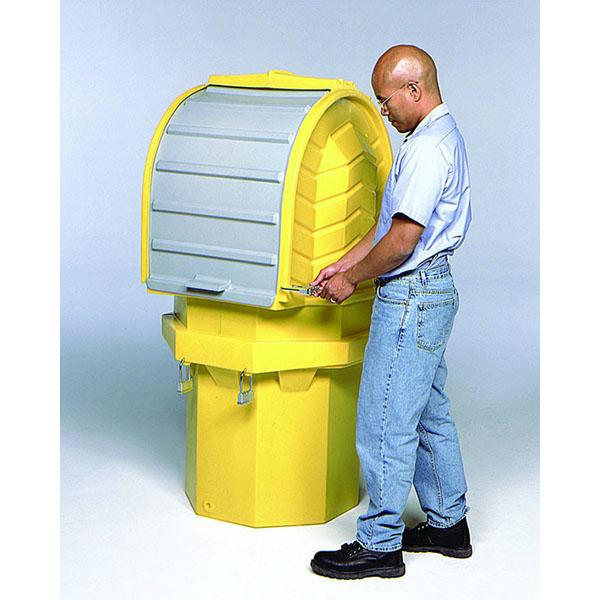 Man locking Sellars hard top 1 drim storage unit